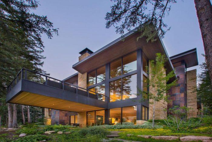 A contemporary mansion in Colorado's Vail Valley.