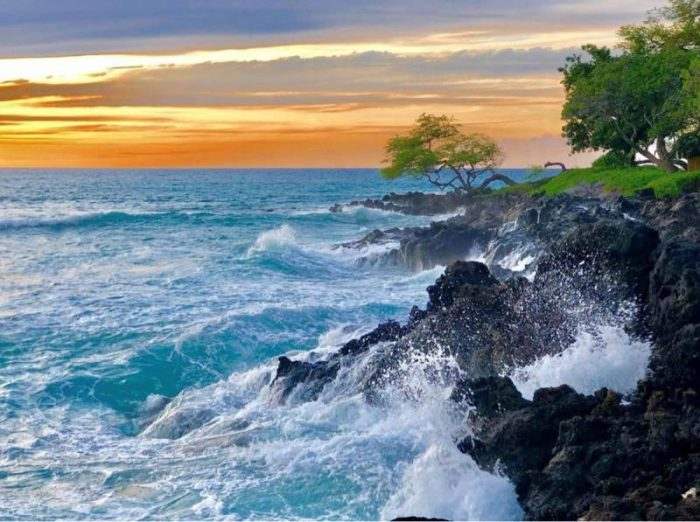 Crashing waves at Mauna Kea Resort in hawaii