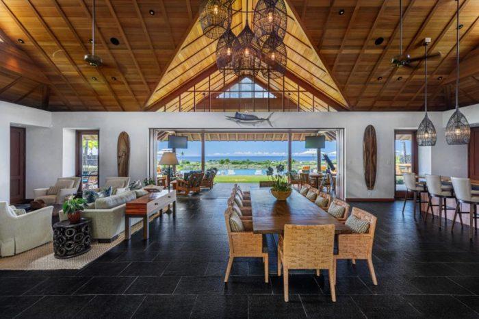 luxury hawaii home living room kohanaiki clubhouse