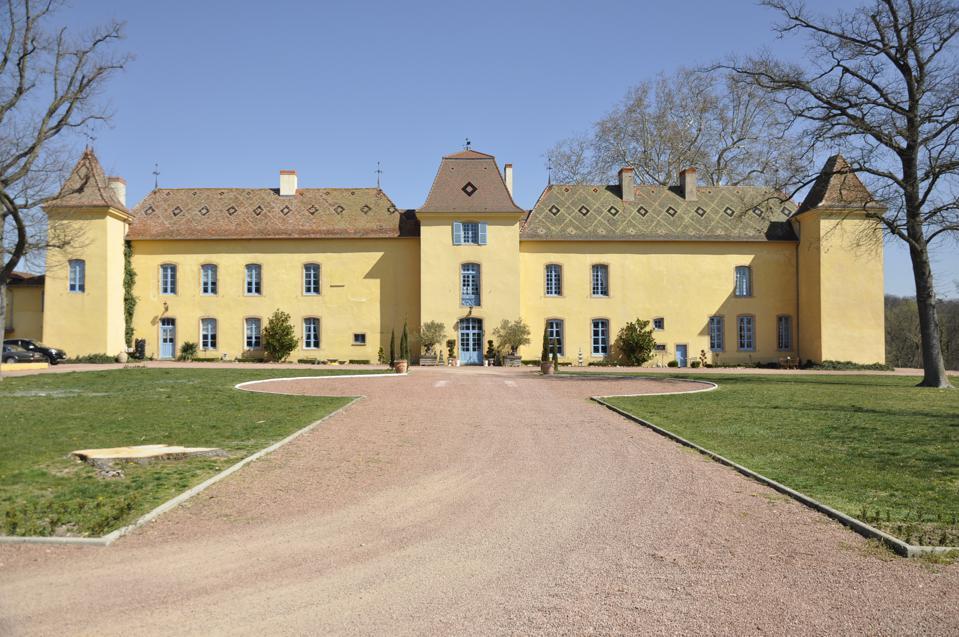 16th century roanne chateau france