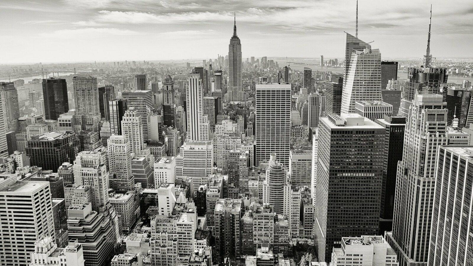 manhattan nyc skyline black and white