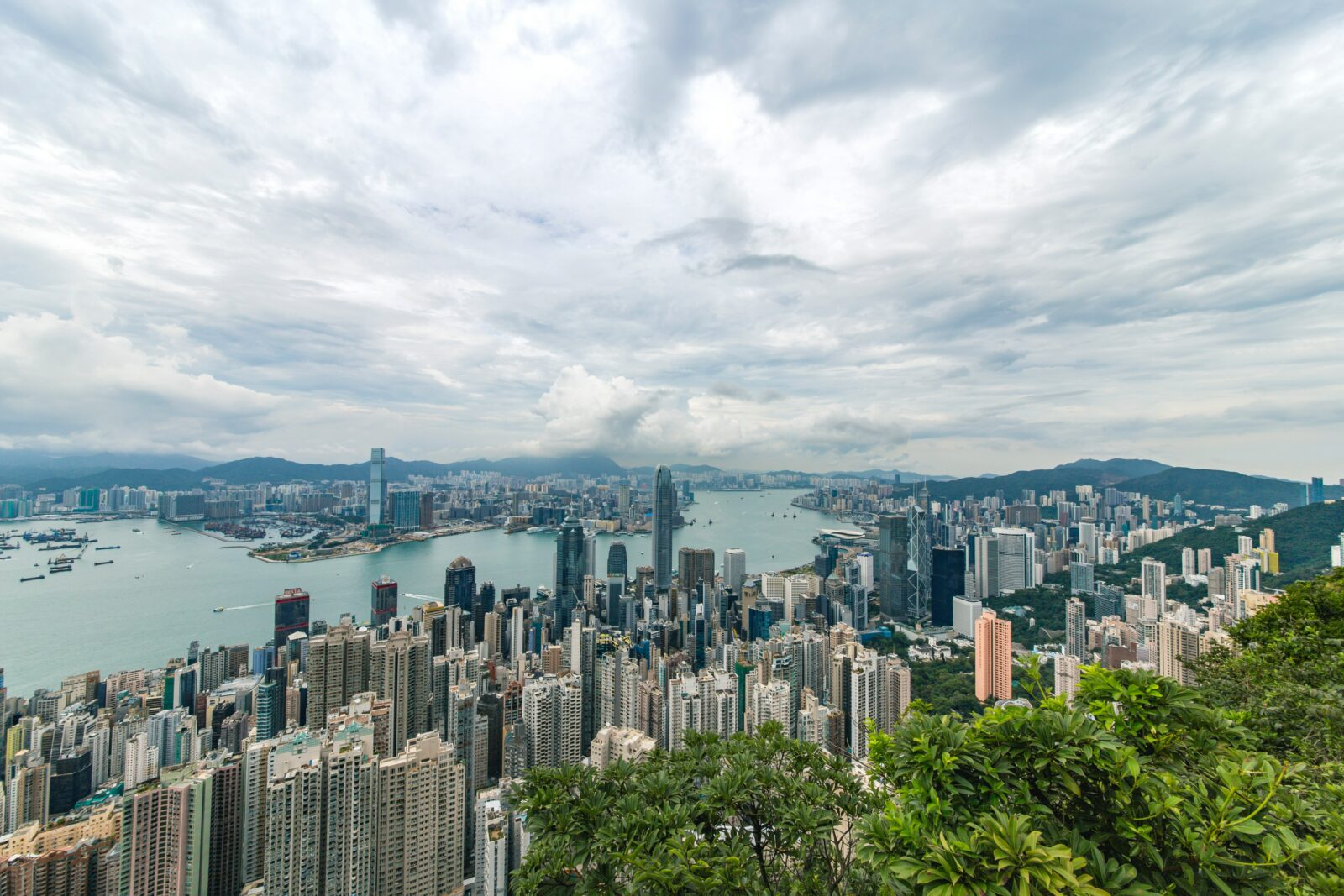 view frong hong kong the peak neighborhood