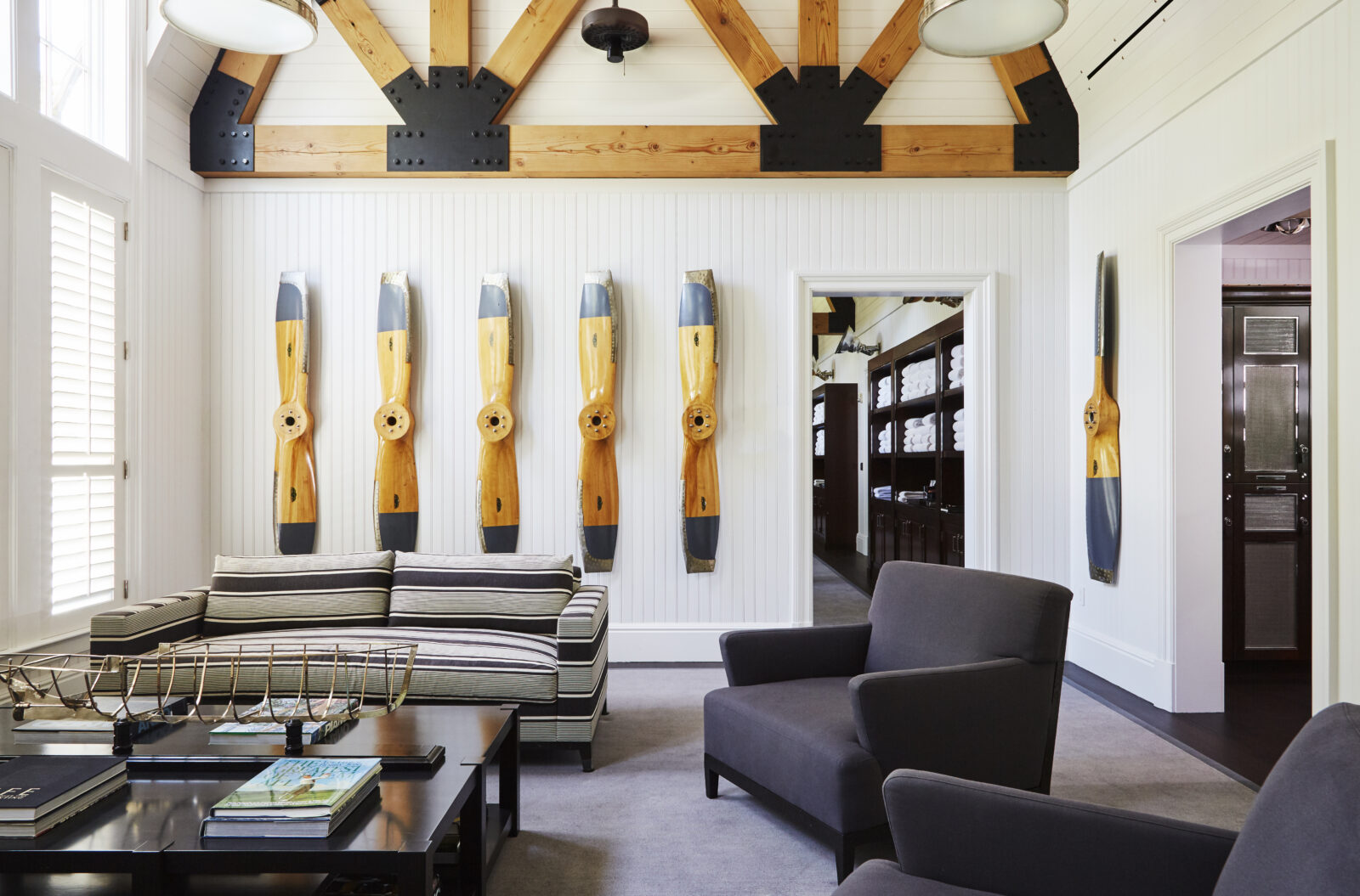 hamptons clubhouse room with modern design notes by pembrooke & ives