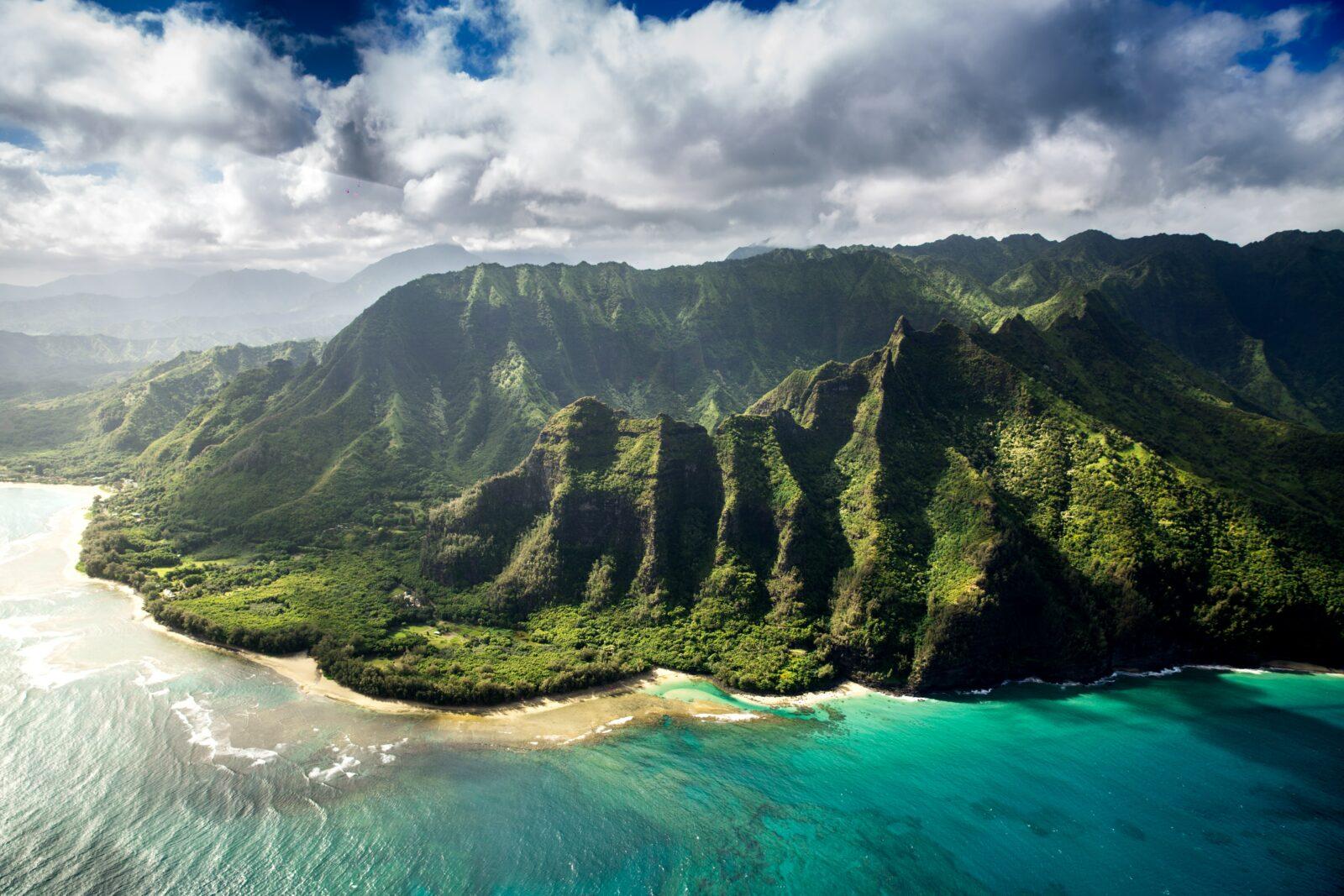 kauai ocean with blue waters