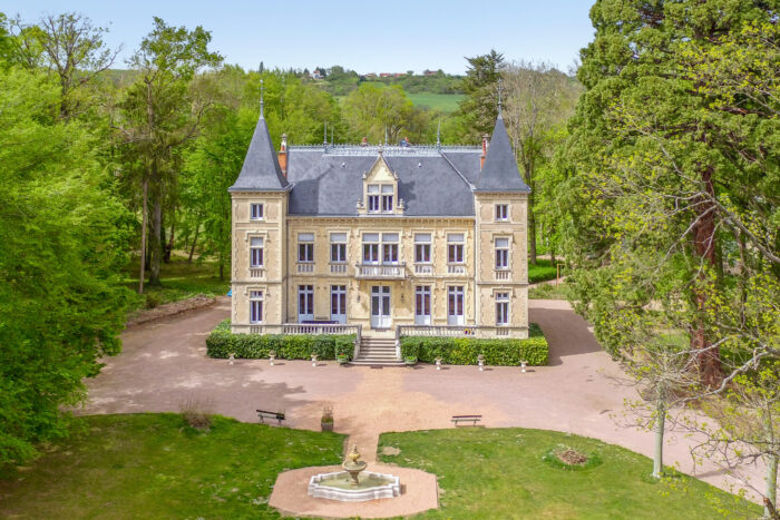 Vichy – 19th century chateau fully renovated